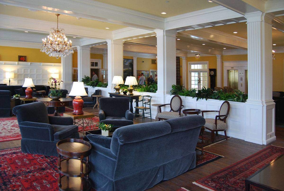 The lobby at the Sagamore.