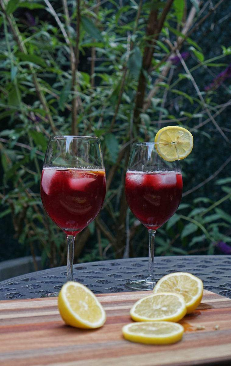 Tinto de Verano cocktails