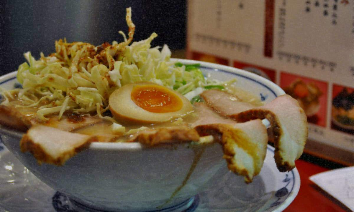 Super Sushi Ramen Express is an exploration of Japan's culinary richness.